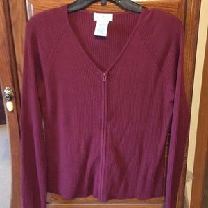 White Stag size medium long sleeve cardigan EUC